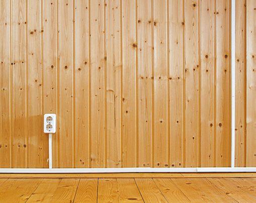 Так выглядит короб для открытой коробки. Он отлично вписывается в дизайн деревянного частного дома.
