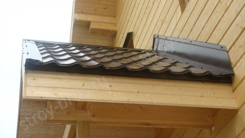 Внешний вид соединения кровельного покрытия с крышей