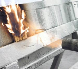 процесс тестирования огнестойкости материала
