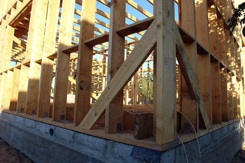 Сборка каркаса деревянного дома