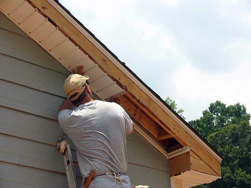 Карниз двухскатной крыши