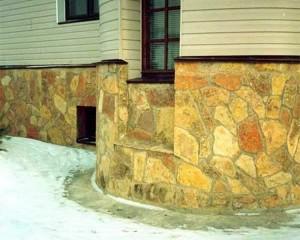Наружное декорирования применяется не только для создания внешней привлекательности сооружения, но и для того, чтобы должным образом защитить утеплитель от воздействия климатических факторов.