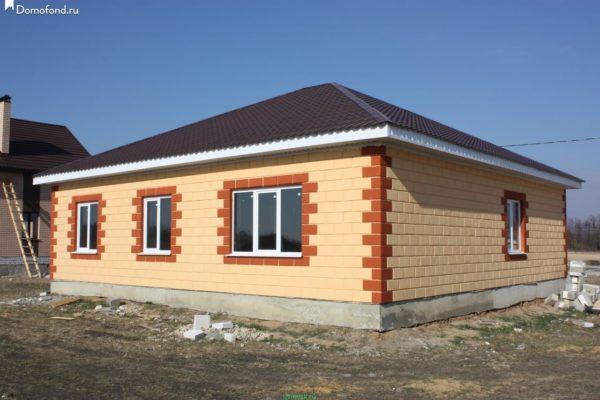 Одноэтажный дом 7 на 7 – идеальный вариант для размеренной загородной жизни