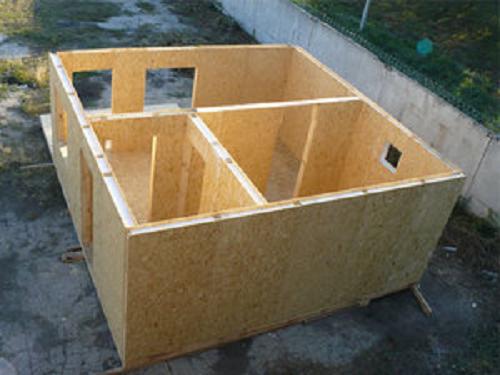 Использование СИП-панелей позволяет быстро возвести постройку