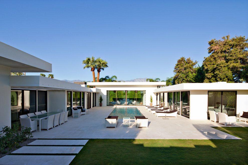 Индивидуальный проект одноэтажного дома с бассейном