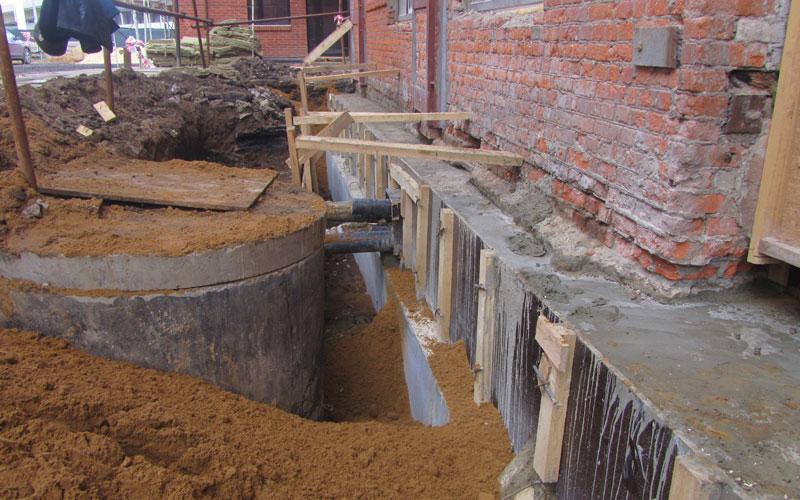 Замена свайного фундамента кирпичного дома