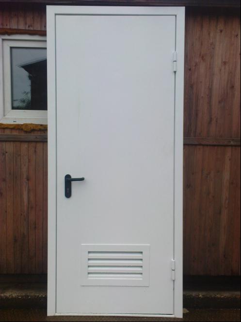 укрепленная дверь