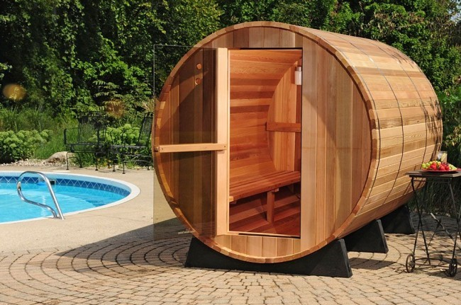 При желании вы можете оформить и внешний вид бани