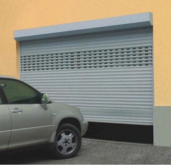 Пример роллетных гаражных ворот
