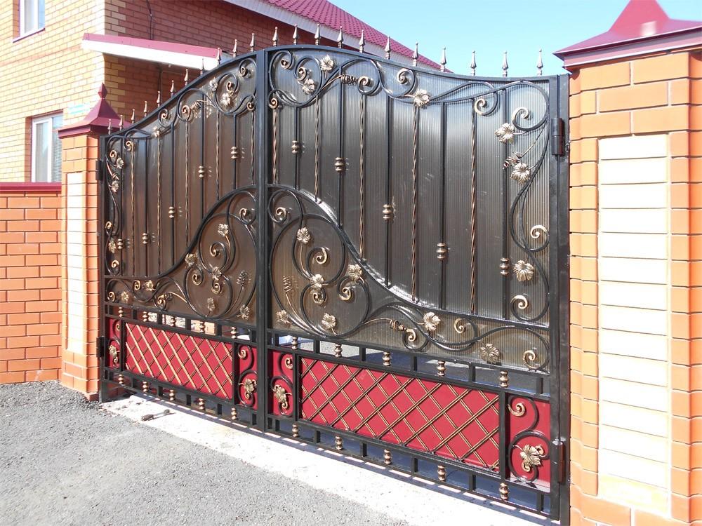 Распашные ворота надежно защитят вашу собственность