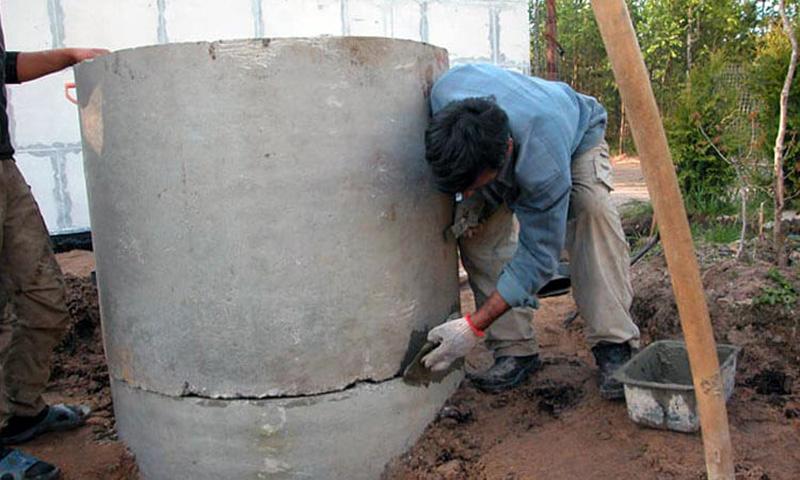 Заделка швов раствором бетона
