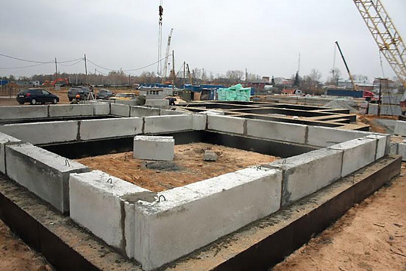 Ленточные блоки из бетона
