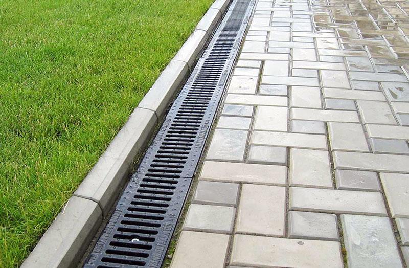 Дренаж и ливневая канализация для тротуара