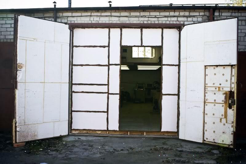 Гаражные ворота, утепленные пенопластом