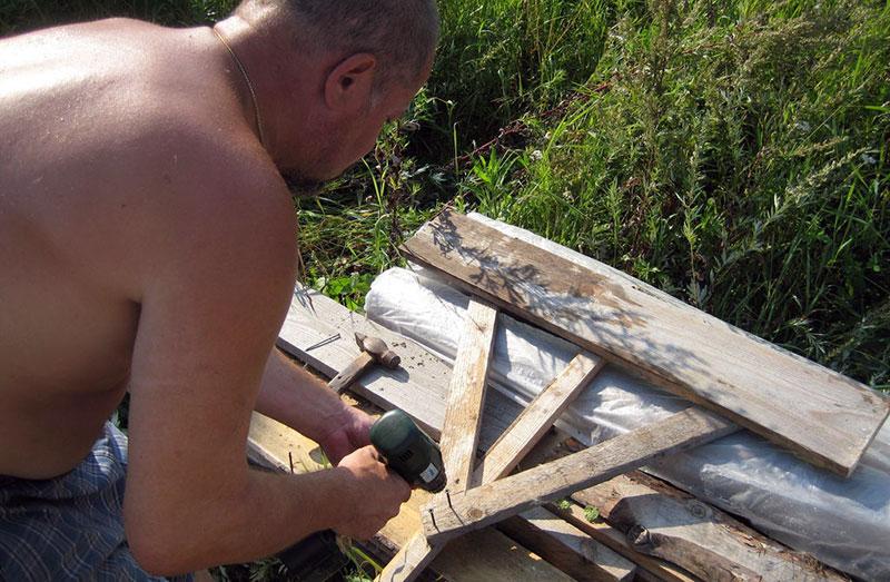 Самодельное деревянное приспособление