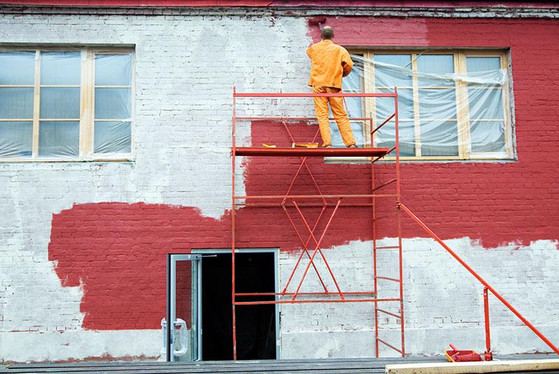 Окрашивание фасада силикатной краской