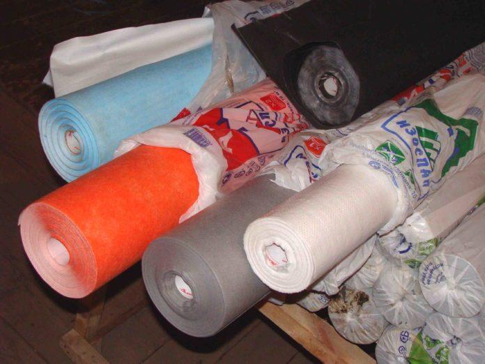 Не забудьте купить перед утеплением пароизоляционные материалы