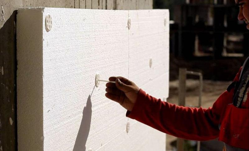 Традиционная технология крепления пеноплекса к стенам