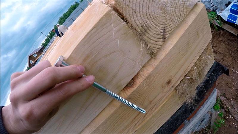 Металлический нагель для соединения деревянных деталей