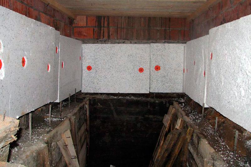Дополнение к гидроизоляции - утепление стен погреба