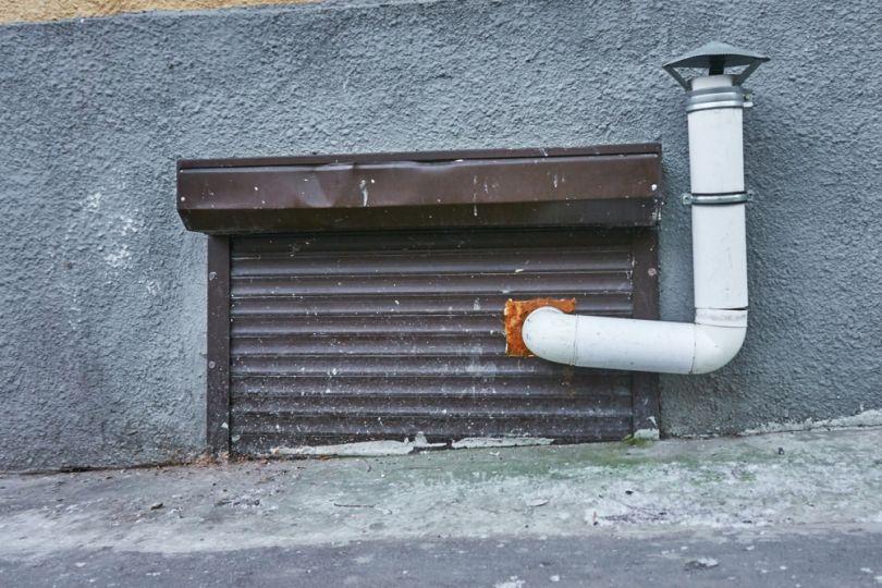 Козырек на вентиляционной трубе